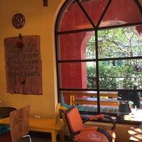 Photo prise au Pakwhan Coffee par Lspb_ning le12/6/2017