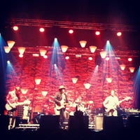 Photo taken at Palacio Vistalegre Arena by Jose Miguel on 10/16/2012