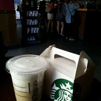Photo taken at Starbucks by yeonsun s. on 9/19/2012