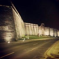 Foto tomada en Muralla Romana por Felipe el 9/9/2013