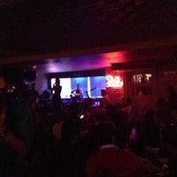 4/5/2013 tarihinde Ozanziyaretçi tarafından Zeki Bar'de çekilen fotoğraf