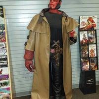 4/24/2014 tarihinde Gerardo P.ziyaretçi tarafından Bedrock City Comic Co.'de çekilen fotoğraf