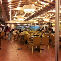 Photo taken at Hong Kong Saigon Seafood Harbor Restaurant by Melvyn on 5/27/2013
