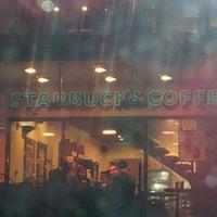 12/17/2012 tarihinde Ayşe Ceyda A.ziyaretçi tarafından Starbucks'de çekilen fotoğraf