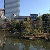 Photo taken at Kyu-Yasuda Garden by ikepanda on 1/20/2013