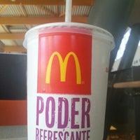 Foto tomada en McDonald's por Jose C. el 10/1/2012