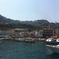 Foto scattata a Isola di Capri da Виктория А. il 8/18/2013