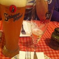 รูปภาพถ่ายที่ Cervecería l'Europe โดย Angel G. เมื่อ 1/25/2013
