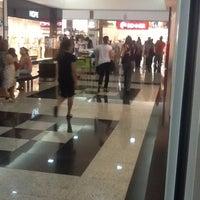 Foto tirada no(a) Montes Claros Shopping por Danilo D. em 11/3/2012