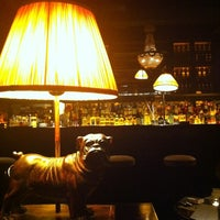 2/25/2013 tarihinde Iri M.ziyaretçi tarafından Mandarin Bar'de çekilen fotoğraf