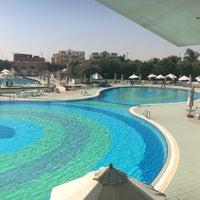 Photo taken at Heliopolis Club El. Sherouk - Swimming Pool by Ashraf N. on 10/2/2016