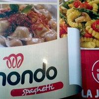 Foto tomada en Mondo Spaghetti por Luis D. el 12/14/2012