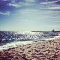 Foto tomada en Playa de la Mar Bella por Alex M. el 9/25/2012