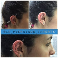 Photo taken at Simple Tattoo Piercing by Leandro R. on 1/24/2016