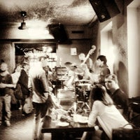 Снимок сделан в The Hat Bar пользователем Miroshnikov K. 7/23/2013