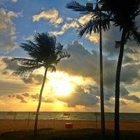 Foto tirada no(a) Praia de Tambaú por Herbert A. em 3/16/2013