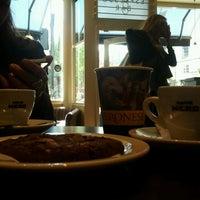 Photo taken at Caffè Nero by Mauro G. on 5/12/2014