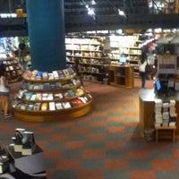 1/18/2013 tarihinde Nathanael B.ziyaretçi tarafından Livraria Cultura'de çekilen fotoğraf