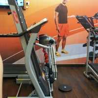 Photo taken at Smartlife (Fitness Gallery) by Jenny H. on 10/26/2012