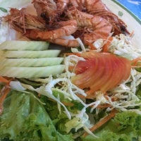 Photo taken at Aree Seafood by Phipop T. on 11/16/2015