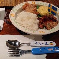Снимок сделан в 大戶屋 Ootoya пользователем Hugh W. 10/9/2013