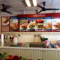 Photo taken at 拉亞漢堡 Laya Burger by Hugh W. on 3/29/2014