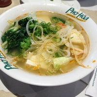 Photo taken at Pho Hoa Noodle Soup by Vanessa P. on 8/5/2013