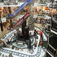 Foto tirada no(a) Praiamar Shopping Center por Alessandra L. em 1/4/2013
