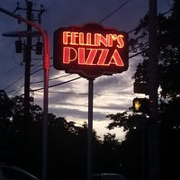 Photo taken at Fellini's Pizza by QuinnDirtyBird4Life P. on 6/29/2013