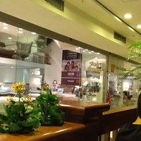 Foto tirada no(a) Casa & Gourmet Shopping por Marcos Eugenio A. em 4/14/2013