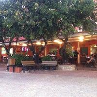 Foto tirada no(a) Choperia Clube De Tenis Catanduva por Afonso D. em 5/18/2013