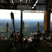 Foto tirada no(a) Topo do Mundo Restaurante por Bruno L. em 2/17/2013