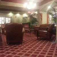 Снимок сделан в Opal Hotel пользователем Elmo M. 11/26/2012