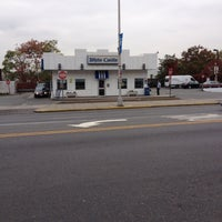 Photo taken at White Castle by Dalvin M. on 10/25/2012