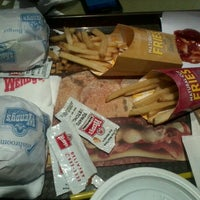 Photo taken at Wendy's by Jerz B. on 9/25/2012