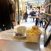 Foto tomada en Robert's Coffee Gelato Factory por Juho T. el 9/15/2018