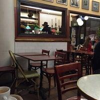 Das Foto wurde bei Café Succès von Juho T. am 12/5/2014 aufgenommen
