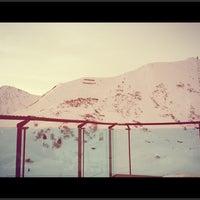 Das Foto wurde bei Ski Lounge von Julia am 1/9/2013 aufgenommen
