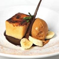 Foto tomada en St. Regis Restaurante por Fondo de Olla ® el 6/2/2013