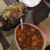 Снимок сделан в Tanta's Thai Restaurant пользователем Melissa T. 6/16/2017