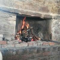 2/17/2018 tarihinde Ceyda T.ziyaretçi tarafından Yorgonun Mahzeni Şarap Evi'de çekilen fotoğraf