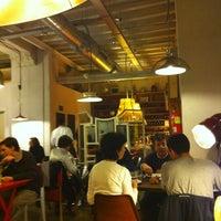 Foto tirada no(a) Restaurante LA BULLA por Antoine L. em 3/22/2013