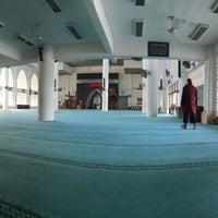 Photo taken at Masjid Kolej Islam Pahang Sultan Ahmad Shah by Muhammad S. on 10/20/2017