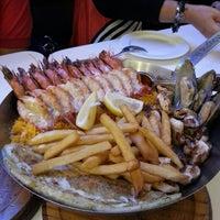Foto tirada no(a) Fish & Co.™ por Ivo Lutyana P. em 3/3/2013