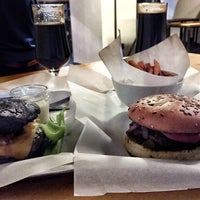Снимок сделан в Burger Heroes пользователем Alena S. 9/29/2015