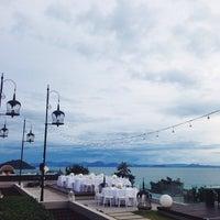 Photo taken at Air Bar · InterContinental Samui Baan Taling Ngam Resort by Kseniya P. on 8/26/2014