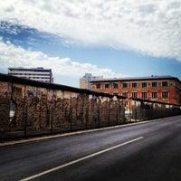 Photo prise au Baudenkmal Berliner Mauer   Berlin Wall Monument par Gerardo X. le6/18/2013