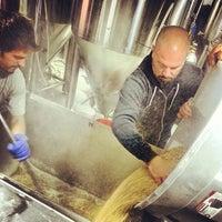 5/17/2013 tarihinde phousedavidziyaretçi tarafından Trillium Brewing Company'de çekilen fotoğraf