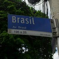 Foto tirada no(a) Avenida Brasil por Állan G. em 11/17/2012