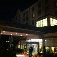 Photo taken at Hilton Garden Inn Queens/JFK Airport by Nomar M. on 10/21/2012
